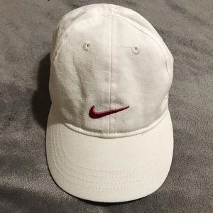 NIKE infant girls baseball hat